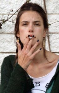 Alessandra Ambrosio sin maquillar natural