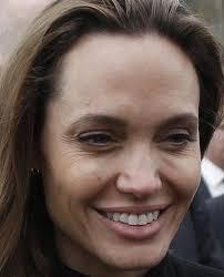 Angelina Jolie sin maquillaje