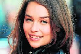 Emilia Clarke natural