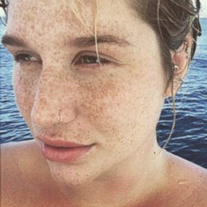 Kesha sin maquillajes