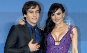 Maribel Guardia con su hijo