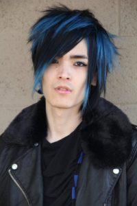 mechas azules para hombres