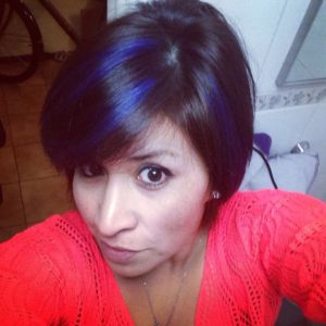 mechas azules pelo corto