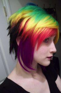 mechas multicolores pelo corto