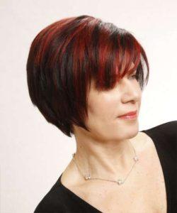 mechas rojas para pelo corto