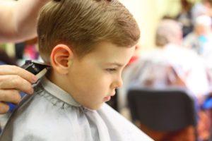 como cortar el pelo a tu hijo en casa