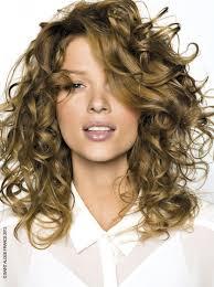 cortes de pelo rizado mujer