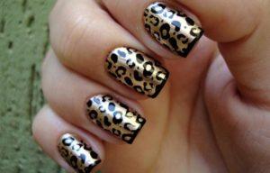 como pintarse las uñas de animal print