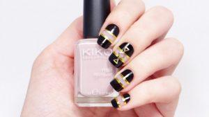 diseños de uñas negative space