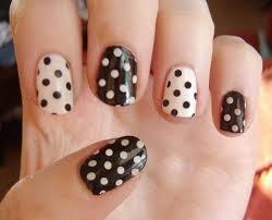 uñas decoradas polka dot