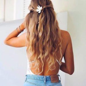 Abundante cabello suelto