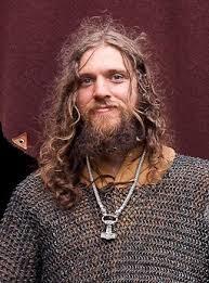 Cabello largo de los vikingos en la actualidad