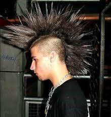 Peinado con cresta punk