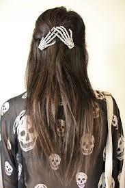 Peinado con esqueletos