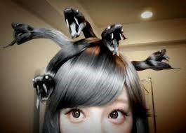 Peinado de medusa con el cabello largo