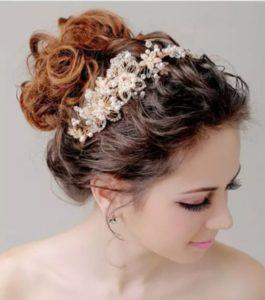 Peinados con tiaras o diademas