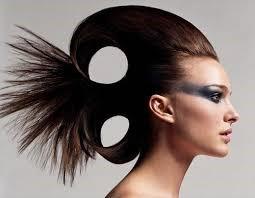 Peinados con tupé altos