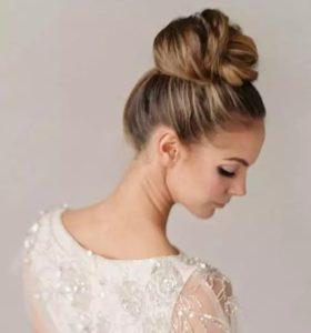 Peinados de novia recogidos altos