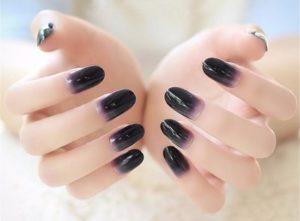 uñas negras degradadas
