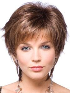 corte de pelo a capas corto